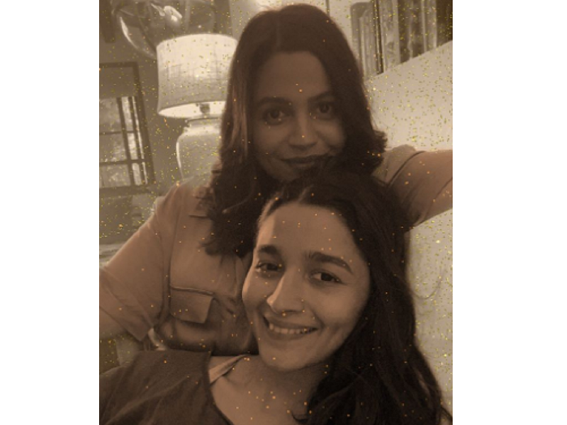 Alia Bhatt shares a cute monochrome picture with her sister Shaheen Bhatt, gives us major sibling goals; view post