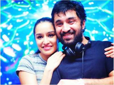 Siddhanth: Shraddha keeps a watch on brothers