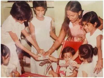 Shweta shares SSR's throwback pics