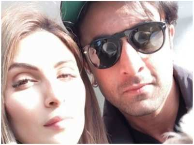 Riddhima shares an adorable selfie with Ranbir
