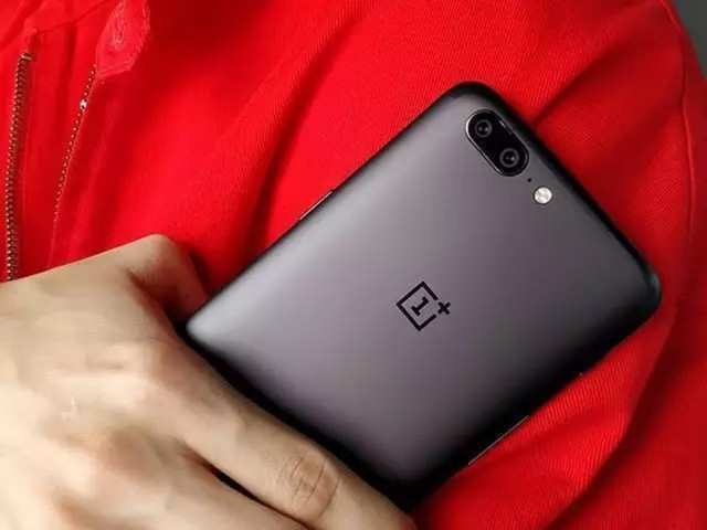 These older OnePlus phone get OxygenOS update with OnePlus Buds support