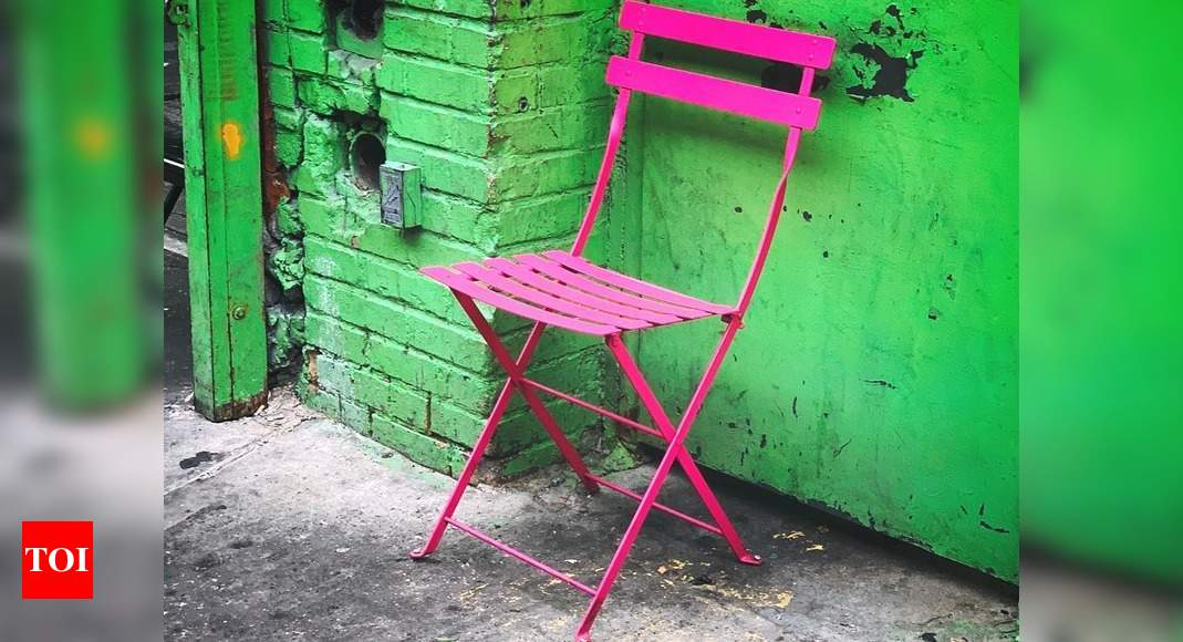 Folding chairs: A comfortable seating option for space