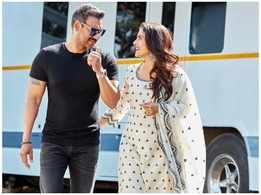 Ajay Devgn wishes wifey Kajol on her birthday with a candid picture of them and it has love written all over it