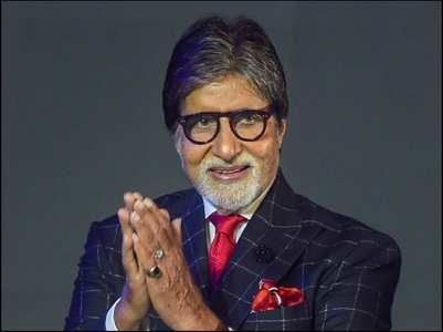 Big B gives a befitting reply to a troll