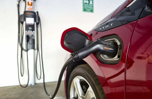 Electric vehicle charge network ChargePoint bags $127 million from investors
