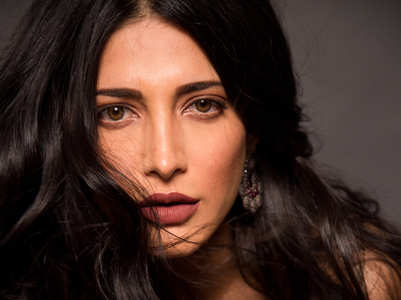 Shruti: Actors only if we work in Hindi?
