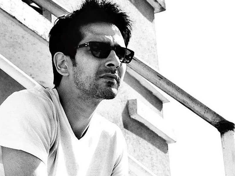 """'Hasee Toh Phasee' actor Samir Sharma ends life at his Malad home, Sidharth Malhotra expresses grief, """"Really sad and unfortunate"""""""