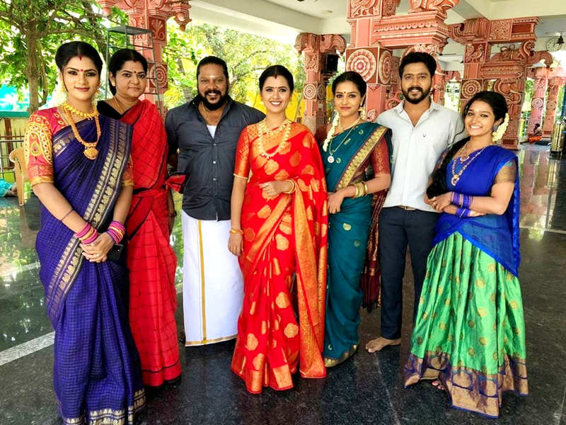 'Amman' crosses 100 episodes; Actors Pavithra Gowda and Amaljith thank fans (Photo - Instagram)