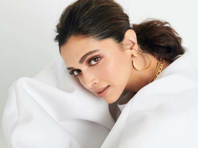 Deepika to shoot Shakun's next in Nov?