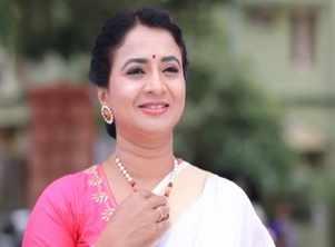 Vani Harishchandra shares BTS from Seetha Vallaba