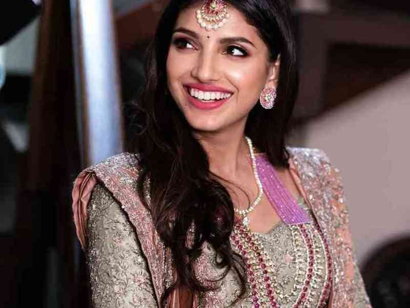 Exclusive: Miheeka Bajaj's make-up artist shares how she will be a 'blushing bride' as she is madly in love with Rana Daggubati