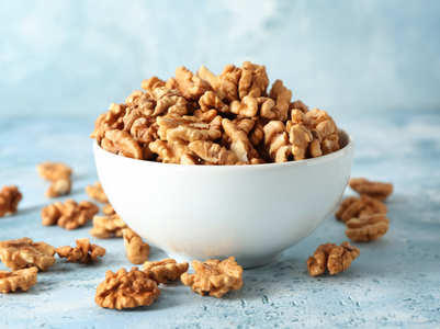 How many walnuts should you eat in a day to prevent heart-related complications