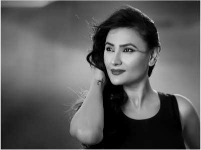 Sapna Sikarwar in 'Excuse Me Madam'