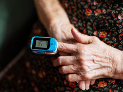 Patients in home isolation to check oxygen levels