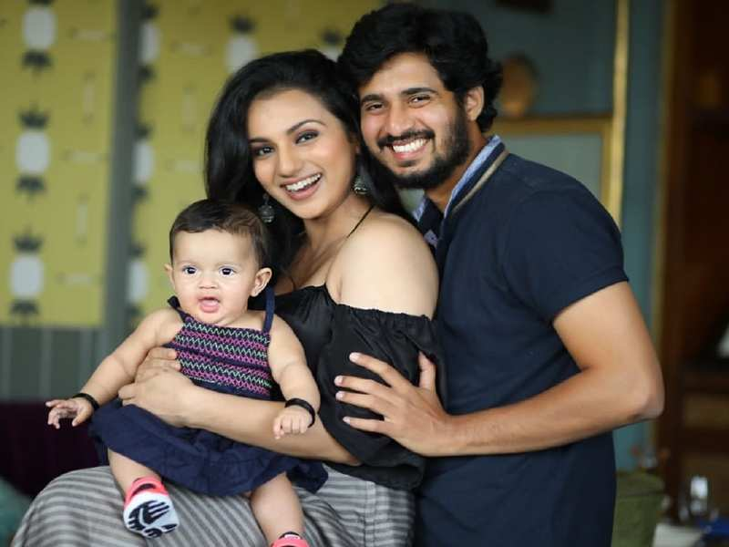 Sruthi Hariharan features in an ad with husband Raam and daughter Janaki