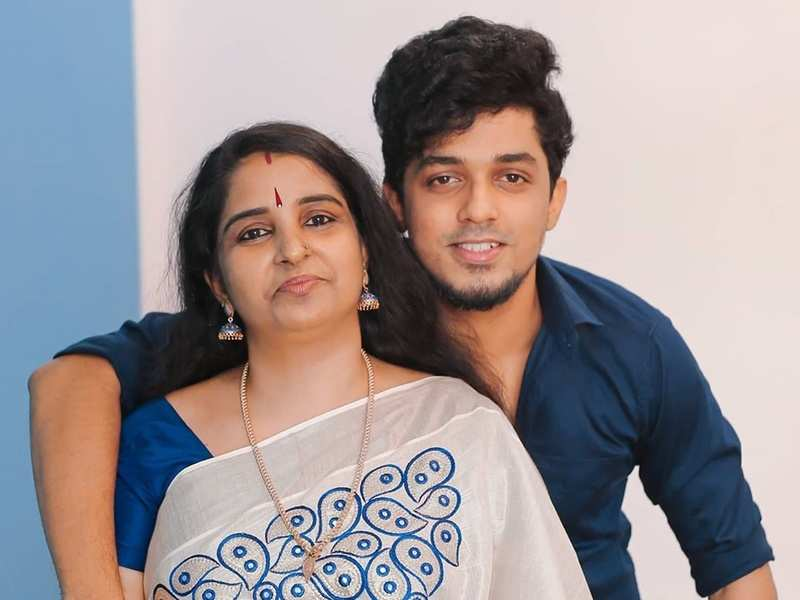 Thatteem Mutteem's Sagar Surya remembers his late mother: I have to fulfil Amma's last wishes