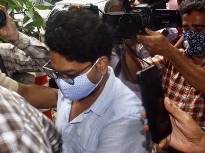 SSR case: Siddharth Pithani reaches ED office