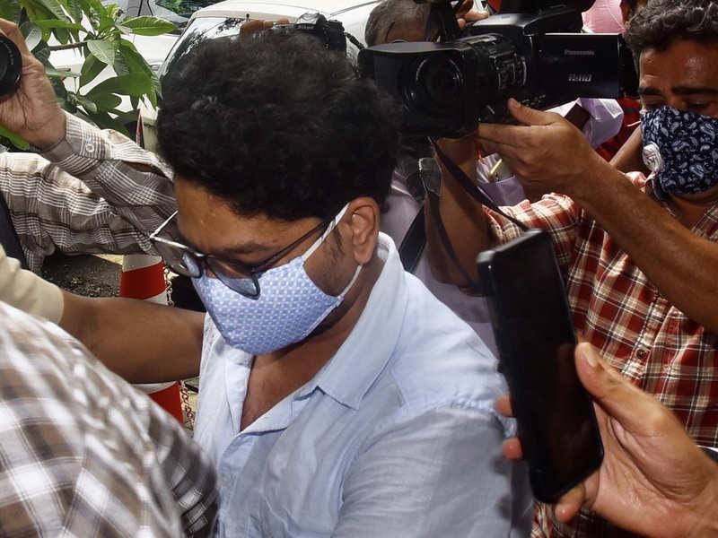 Sushant Singh Rajput's flatmate Siddharth Pithani reaches Enforcement Directorate's office