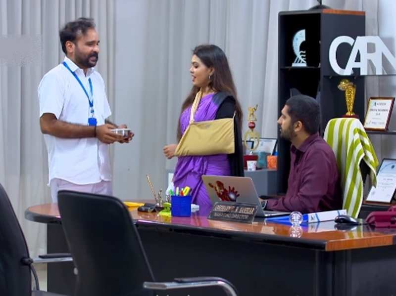 Pookkalam Varavayi: Office staff is jealous of Abhimanyu and Samyuktha