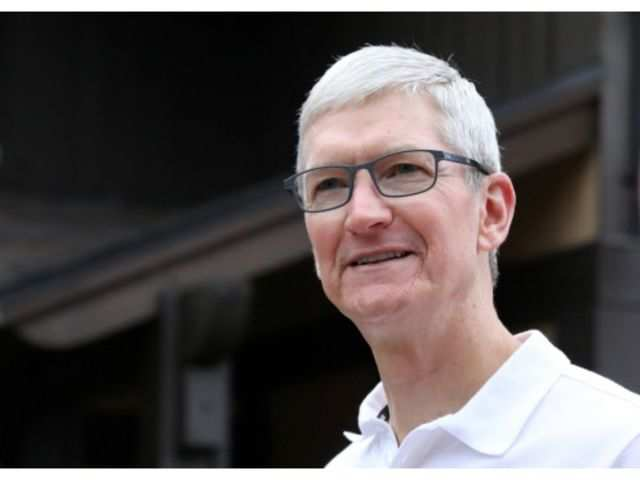 Apple CEO Tim Cook joins the billionaires' club