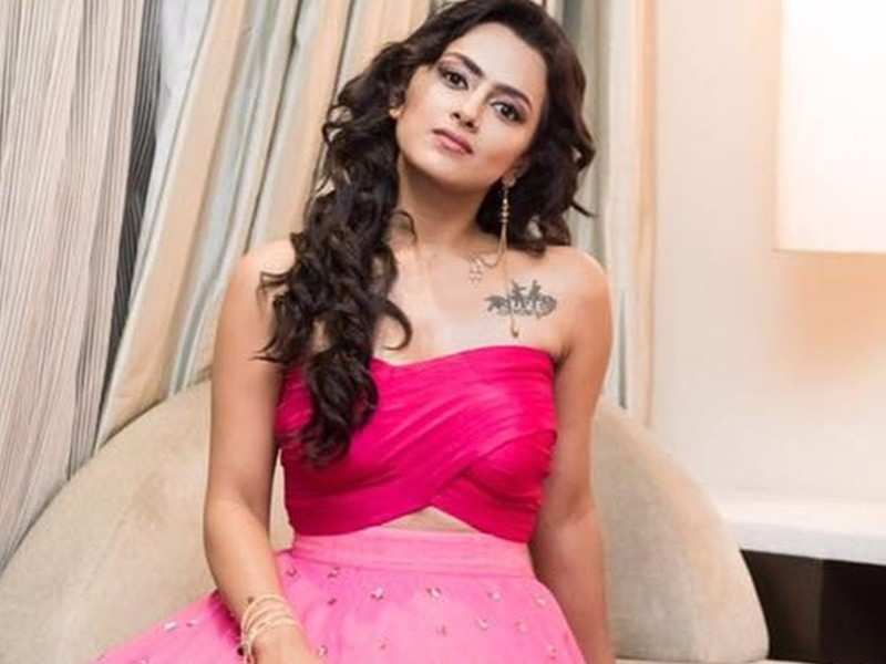 More meaty roles should be written for women down south: Shraddha Srinath