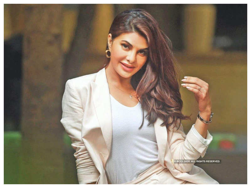 Jacqueline Fernandez gives us a sneak peek into her birthday celebration with fans today