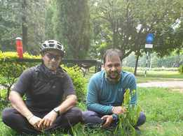 Cycling Baba stops over at Chandigarh on way to Ladakh