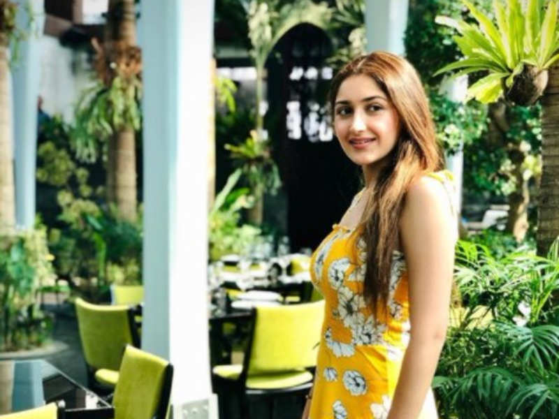 Sayyeshaa receives love from her fans and colleagues on her birthday