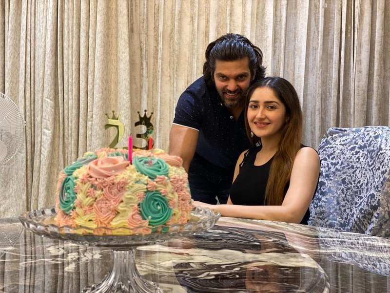 Sayyeshaa thanks fans and family for the birthday wishes