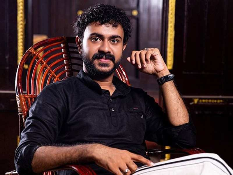 It is challenging to play a visually challenged person; one inappropriate gesture can ruin the whole scene: Chackoyum Maryyum actor Sajin John
