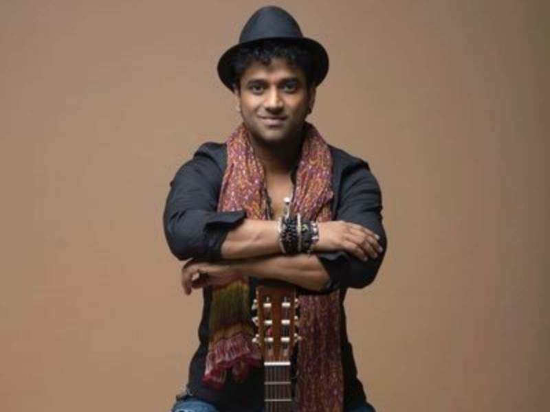 DSP shares pictures of Lord Vinayagar holding a guitar like him