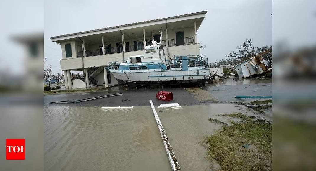 Fourteen killed in wake of Hurricane Laura in US - Times of India