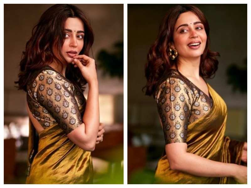 Photos: Nehha Pendse looks ethereal in THIS ethnic outfit