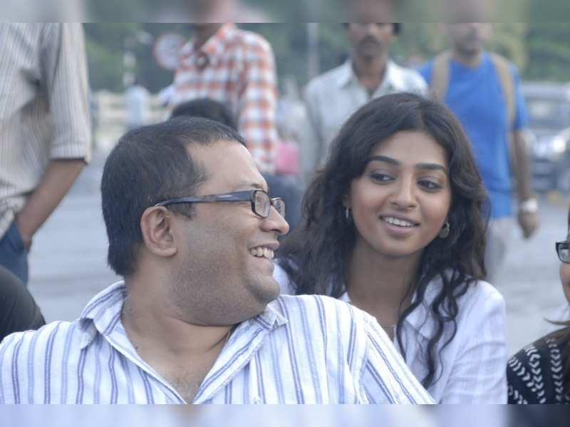 Radhika Apte gets wishes and praises from Antaheen director Aniruddha