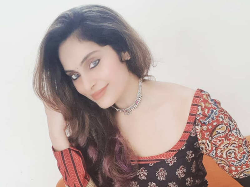 Suriya's heroine Shrutika open to comeback after seventeen years