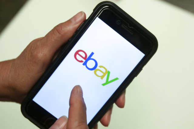 Elliott's Cohn steps off the board of eBay Inc, two newcomers join