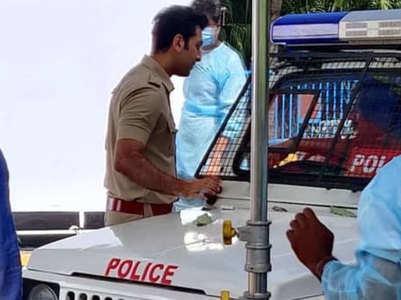 PIC: Ranbir dons police uniform on the sets