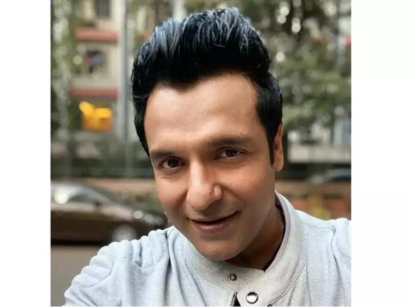 Exclusive! Vinay Anand: 'Celebrities find it difficult to maintain social distancing because we can't deny fans to click selfies'