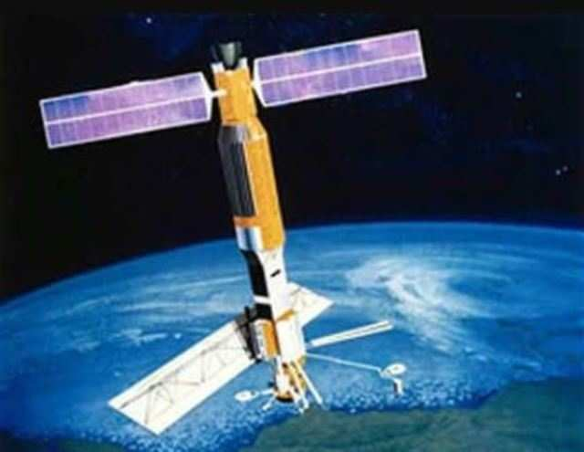 China sends satellites into space in first sea-based commercial launch