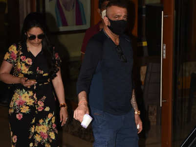 Sanjay Dutt urges paparazzi to wear masks