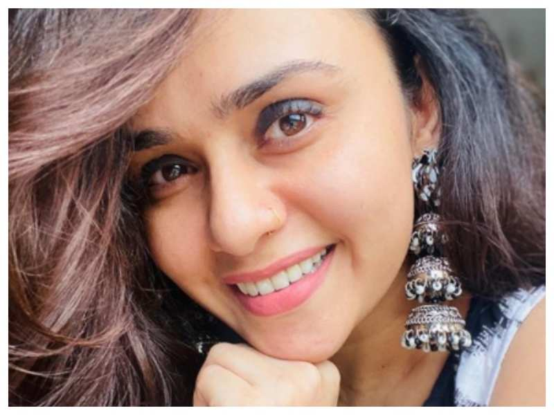 Amruta Khanvilkar shares an impressive fan art on Instagram, says 'I feel all that unconditional love needs to be appreciated'
