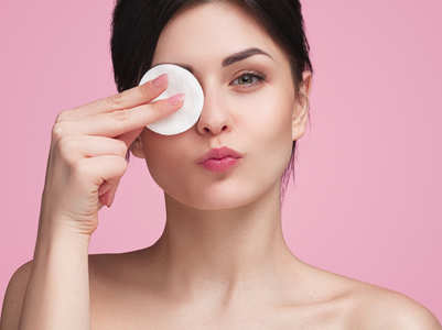 Different types of make-up removers that you can lay your hands on