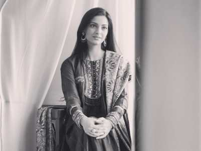 Sonam Kapoor Ahuja slams a troll