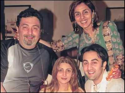 Ranbir's throwback pic with Rishi-Neetu