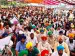 Navjot Singh Sidhu supports farmers' agitation against Agriculture Bills