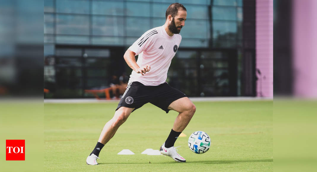 Gonzalo Higuain signs for Beckham's Inter Miami