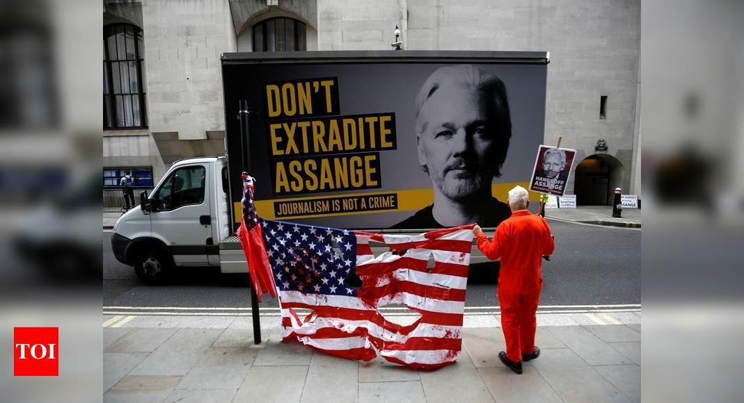 Assange lawyer says Trump offered deal to avoid extradition