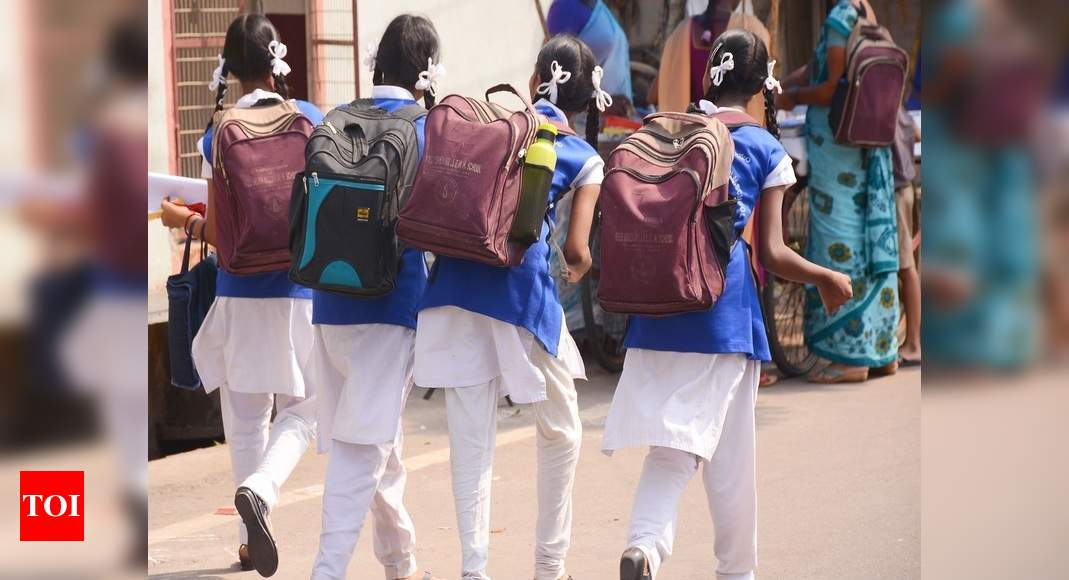 60% Indian kids go to school on foot: Survey