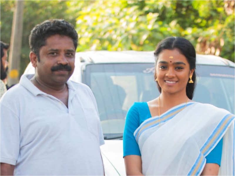 Gayathrie's performance in Vijay Sethupathi's Mamanithan applauded