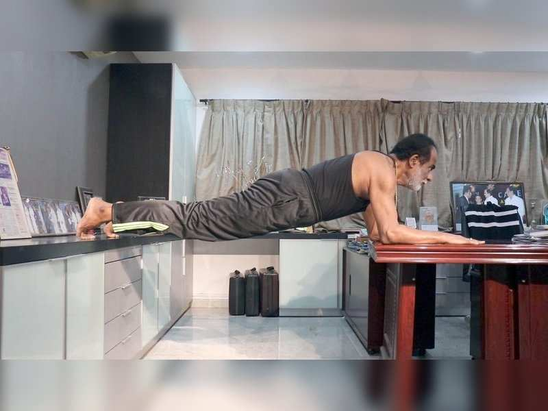 Vishal shares video of his father's fitness regime